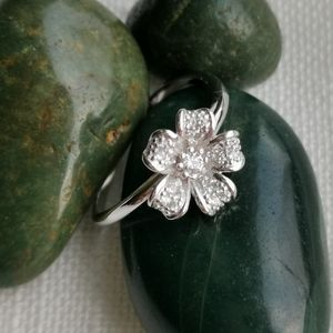 NWT, Sterling Silver CZ flower ring